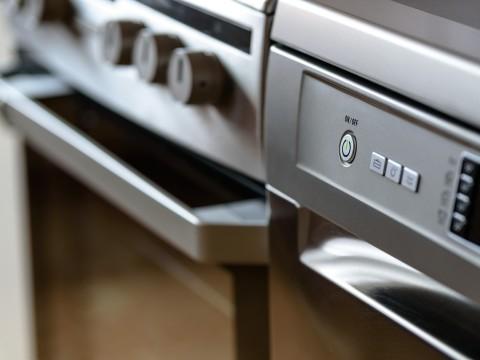 modern-kitchen-1772638_1280