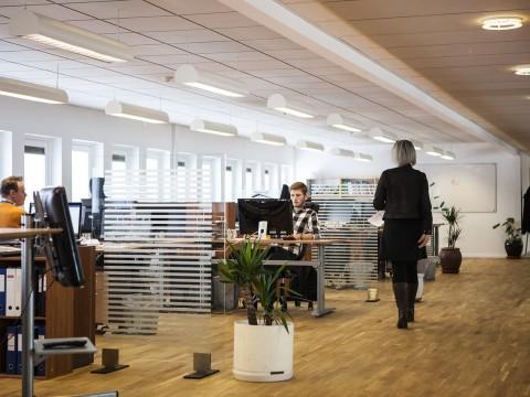 office-2360063_1280