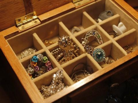 jewels-1090711_1280
